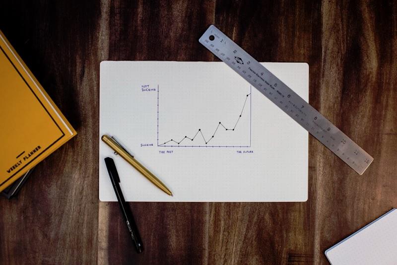ロボアドバイザーと投資信託【リスクヘッジの違い】