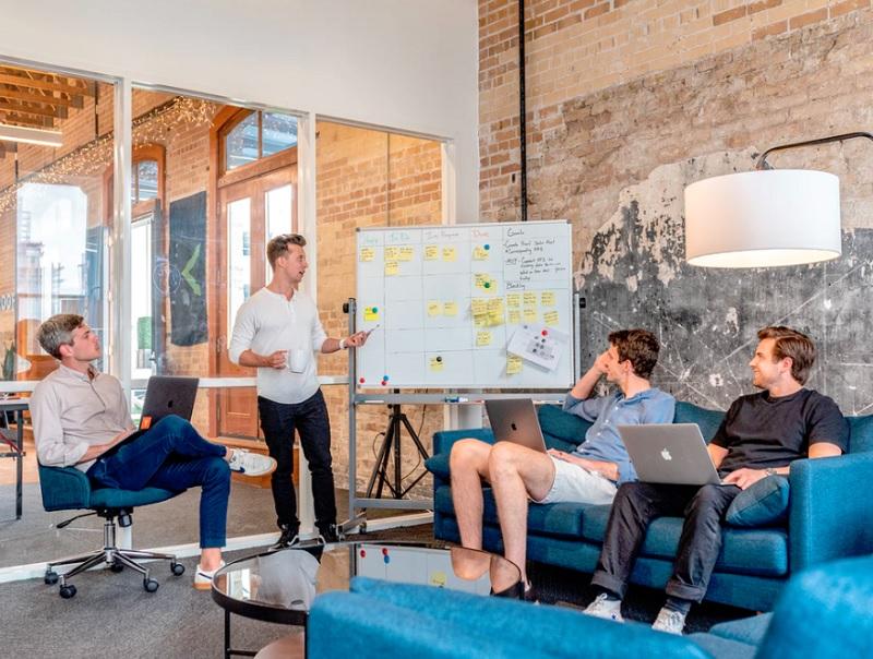 ロボアドバイザーと投資信託の6つの違い