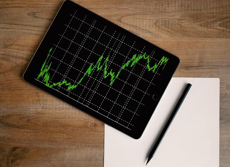 ロボアドバイザーで投資を行って運用資産に対する感覚を養う
